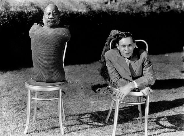 Tod Browning Freaks publicity still cast