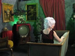 Creeporia in her crypt