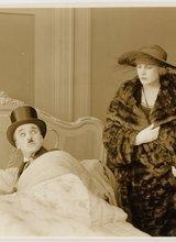 Charlie Chaplin The Idle Class