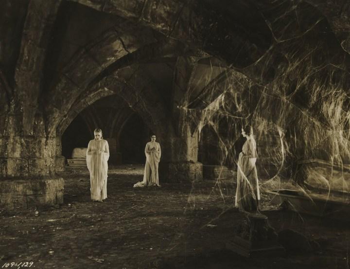 Dracula 1931 brides