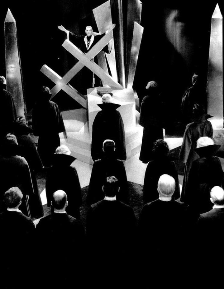 THE BLACK CAT (1934 Edgar G. Ulmer) Boris Karloff and Bela Lugosi.