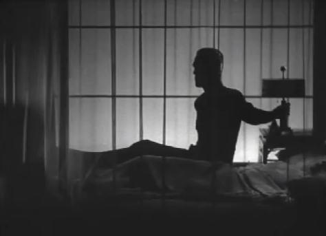 THE BLACK CAT (1934) KARLOFF RISES