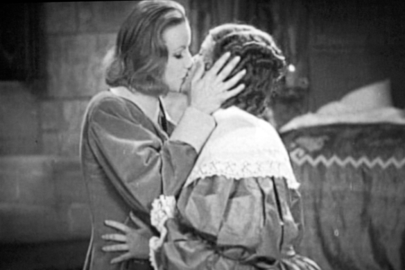 GARBO QUEEN CHRISTINA LESBIAN KISS