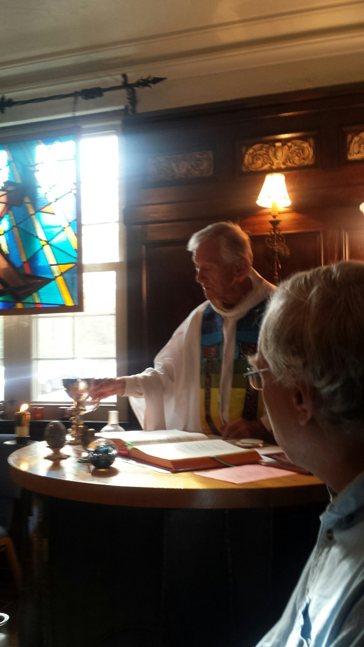 Franciscan Hermitage . Justin blessing the wine