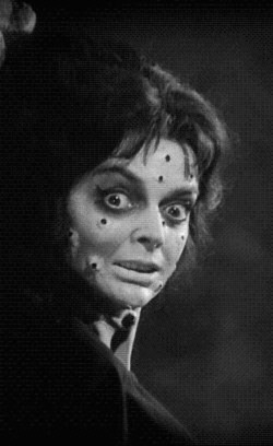 %22BLACK SUNDAY%22 BARBARA STEELE