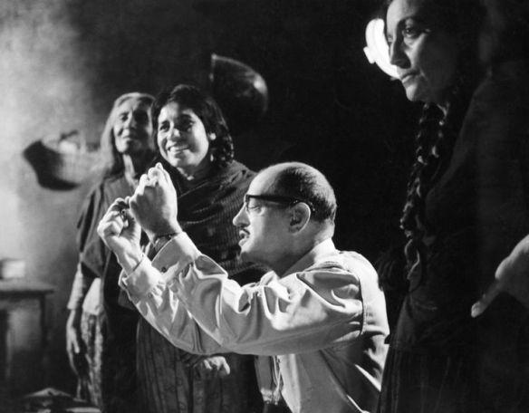 Nazarin (Luis Bunuel directing_