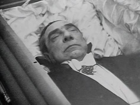 Bela Lugosi buried in his Dracula cape