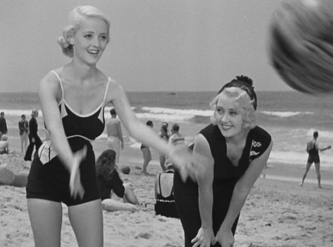 Bette Davis and Joan Blondell in Three On A Match (1932)