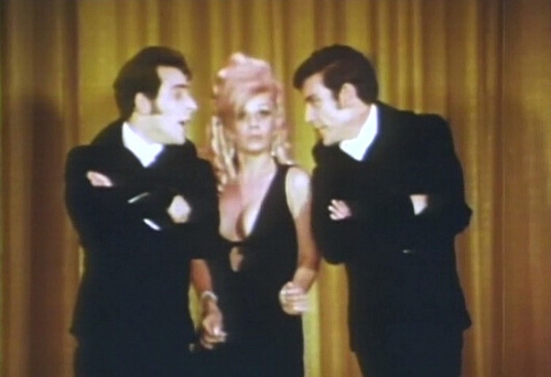 DRACULA VS. FRANKENSTEIN (1971 Al Adamson) Regina Carrol