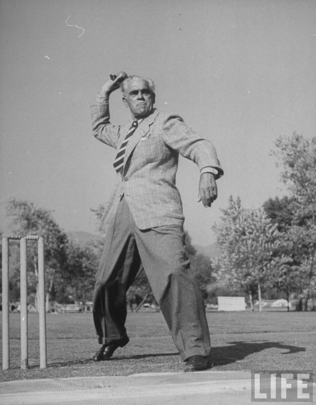 BORIS KARLOFF LIFE (PLAYING CRICKET)