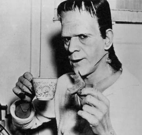BORIS KARLOFF TAKING TEA BREAK