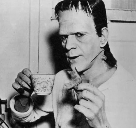 BORIS KARLOFF TAKING TEA BREAK