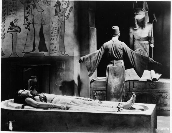 BORIS KARLOFF ZITA JOHANN THE MUMMY 1932 (FREUD)