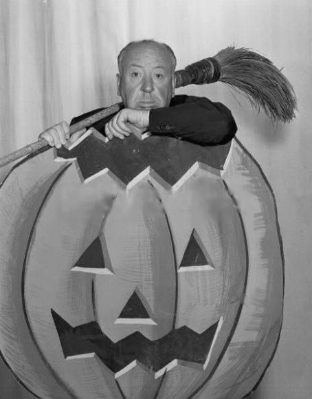 HAPPY HALLOWEEN Alfred Hitchcock