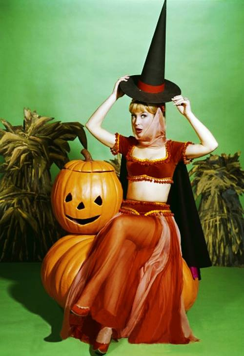 HAPPY HALLOWEEN Barbara Eden