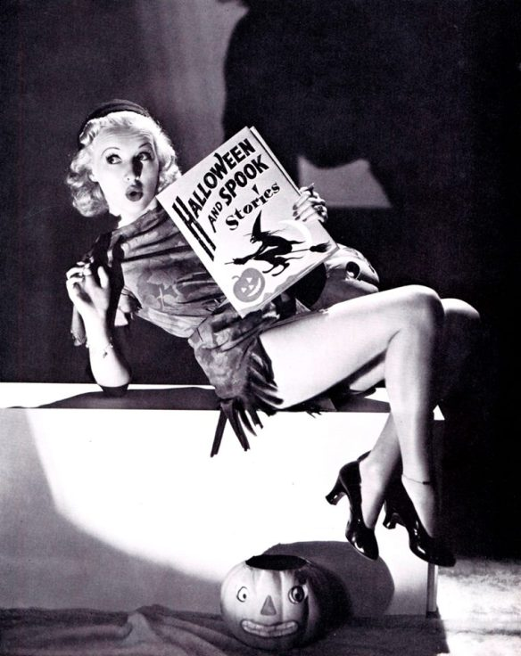 HAPPY HALLOWEEN Betty Grable.