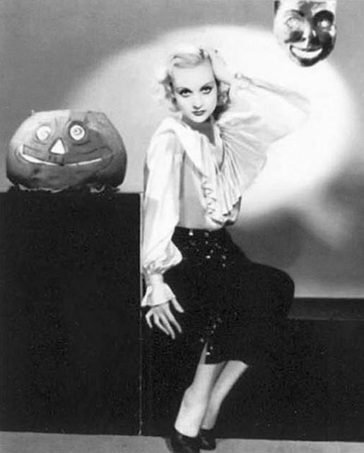 HAPPY HALLOWEEN Carole Lombard
