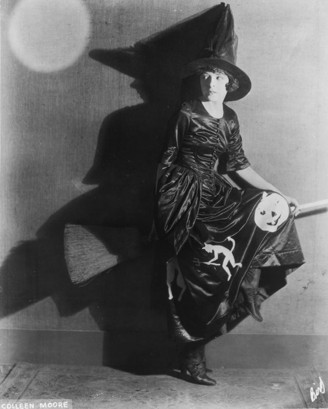 HAPPY HALLOWEEN Colleen Moore