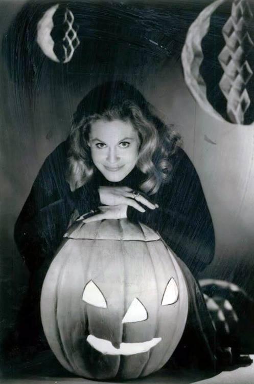 HAPPY HALLOWEEN Elizabeth Montgomery