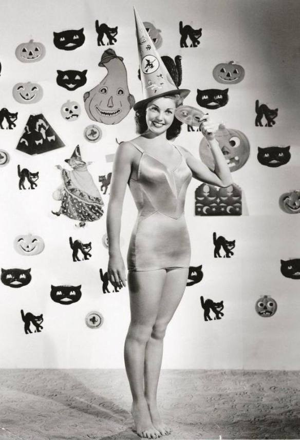 HAPPY HALLOWEEN Esther Williams