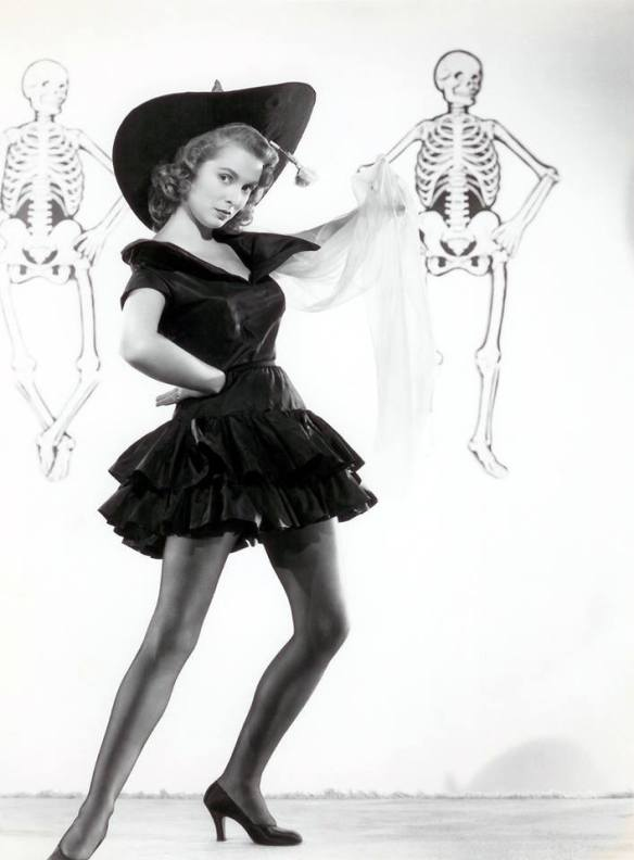 HAPPY HALLOWEEN JANET LEIGH