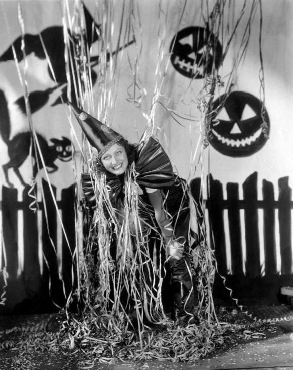 HAPPY HALLOWEEN Joan Crawford.