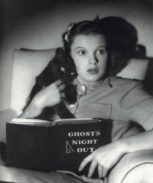 HAPPY HALLOWEEN Judy Garland
