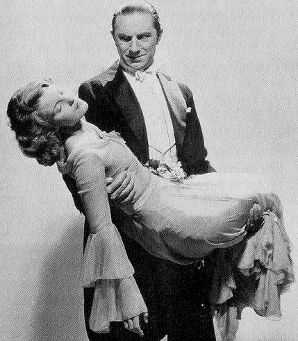 Dracula (1931 Tod Browning) Bela Lugosi, Helen Chandler publicity still