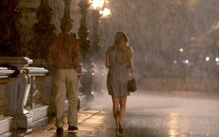 Midnight In Paris (2011 Woody Allen) Lea Seydoux and Owen Wilson