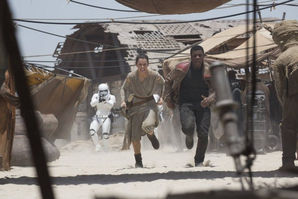 Star Wars-THE FORCE AWAKENS (2015 Abrams).