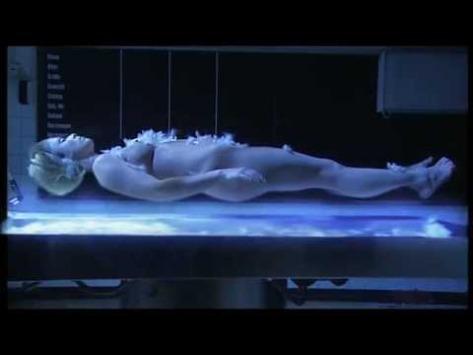 Pierrot Lunaire (Arnold Schoenberg) from 'One Night, One Life (2002. DIR. Oliver Herrmann, Pierre Boulez) Christine Schafer.