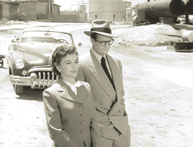 SUPERMAN AND THE MOLE MEN PHYLLIS CAOTES GEORGE REEVES